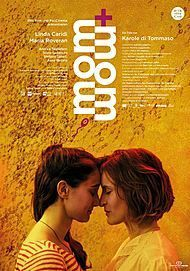 "Filmplakat für ""MOM + MOM"""